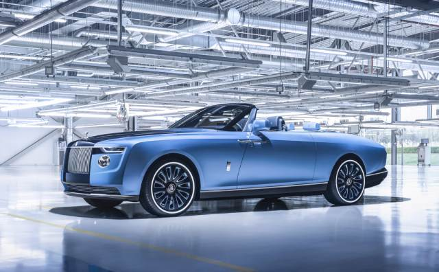 Video : Rolls-Royce Boat Tail First Look