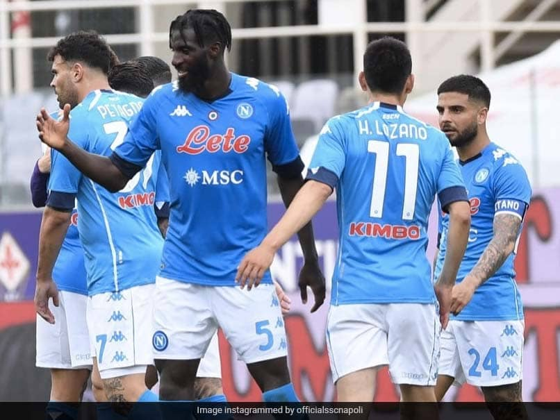 Serie A: Napoli Beat Fiorentina To Keep Champions League Ambitions Alive