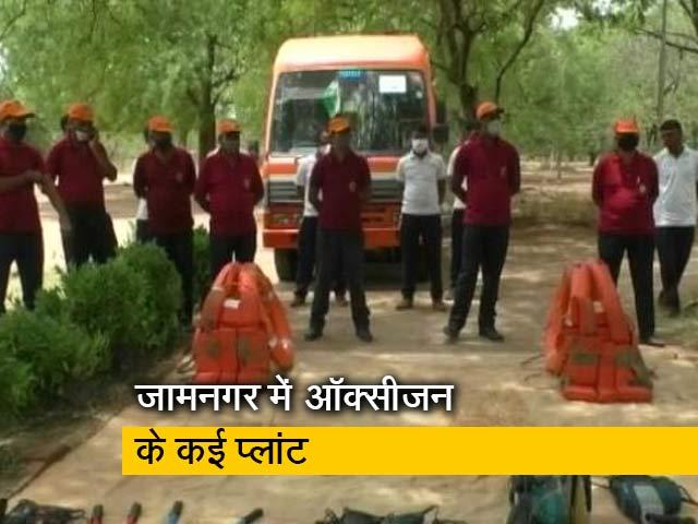 Video : Prime Time: गुजरात में चक्रवात ताउते से ऑक्सीजन प्लांटों को बचाने की जद्दोजहद