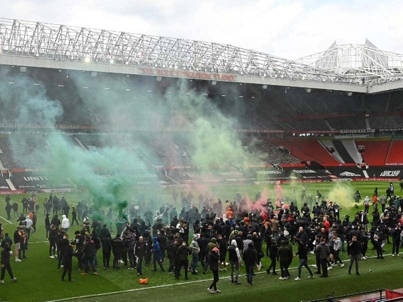 Manchester United Fans Anti-Glazer Protest Forces Postponement Of Liverpool Clash