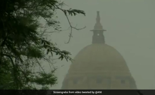 Delhi Weather Today: Rain, Thunderstorm And Top 5 Weather News