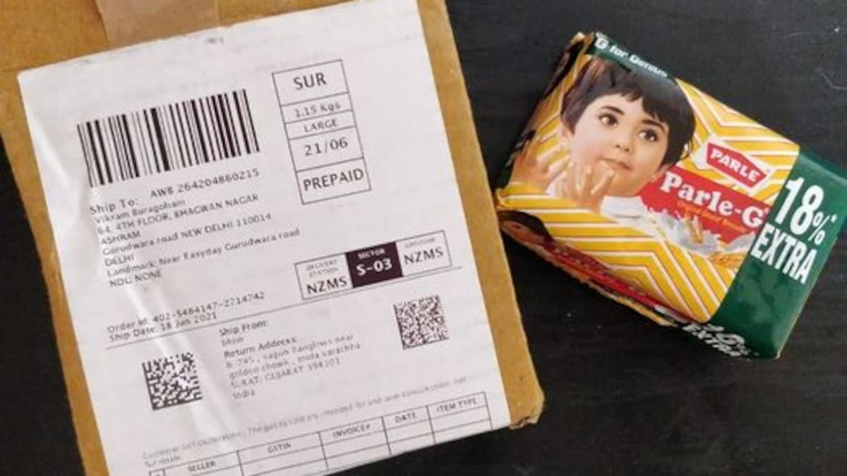 Photo of Man Gets Parle-G Instead Of His Actual Online Order, But He Ain't Complainin'