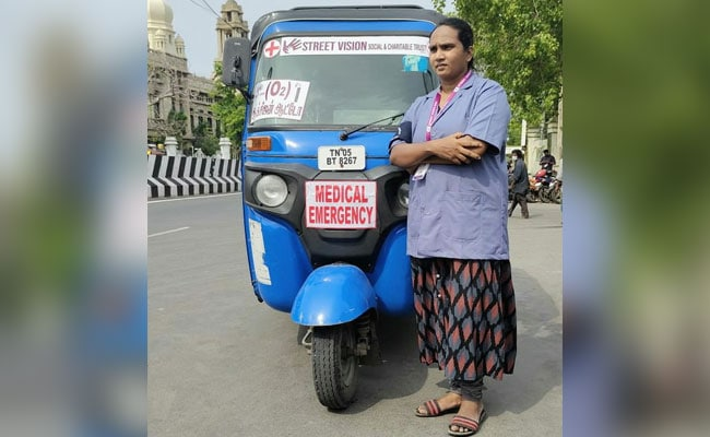 After Losing Mother To Covid, Chennai Woman Now Running 'Oxygen Auto'