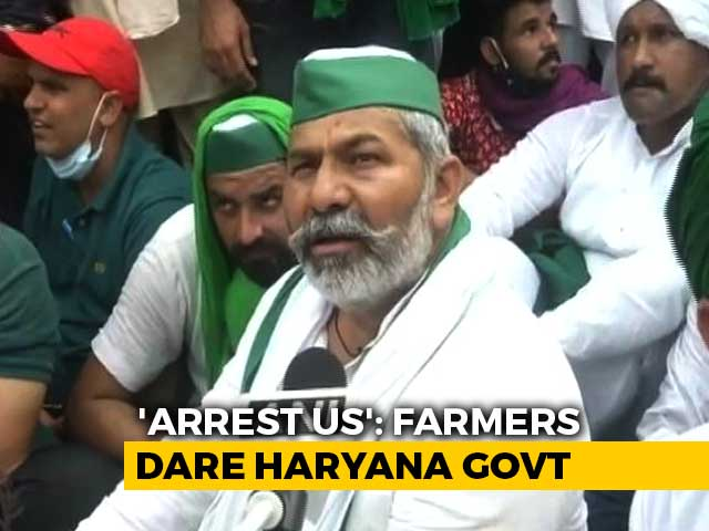Video : Farmer Leader Rakesh Tikait, Others Step Up Protest Against Arrests