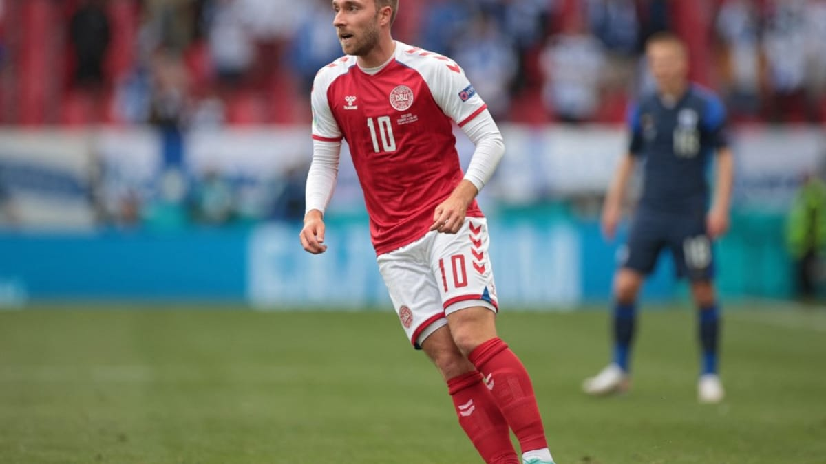 """Photo of Christian Eriksen """"Stable"""" After Euro 2020 Collapse, Sends """"Greetings To Teammates"""""""