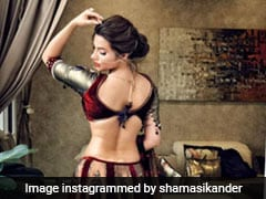 Even We'd Mistake Shama Sikander To Be A Royal In Her Regal Maroon <i>Lehenga</i>