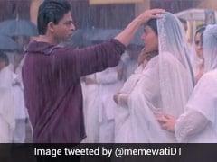 Rahul-Anjali's Iconic Scene From <i> Kabhi Khushi Kabhie Gham</i> Sparks Meme Fest On Twitter