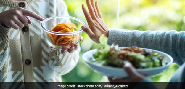 4 Expert-Recommended Ways To Subdue Junk Food Cravings