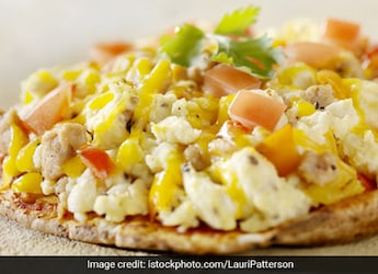 Watch: This Omelette Pizza Brings The Best Of Both Worlds On A Plate - Try It Today