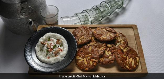 Almond Millet Mathi & Chilli Yoghurt Dip