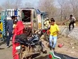 Video : Watch: Tanker Overturns, Driver Injured But Villagers Busy Looting Petrol