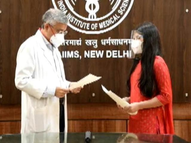 Video : Gurugram School Students Make 'Thank You' Cards For Doctors For Covid Fight