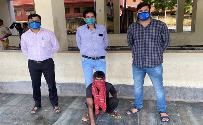 Delhi Police Arrest Alleged Leader Of Gang Duping Those Searching For Oxygen