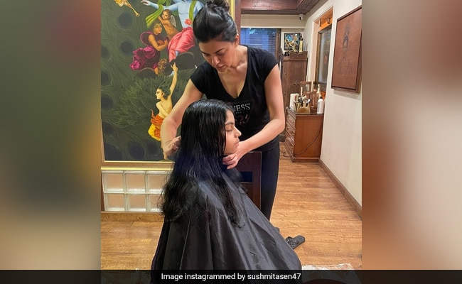 Sushmita Sen, Who Is Daughter Alisah's 'Official Hairdresser,' Posted This