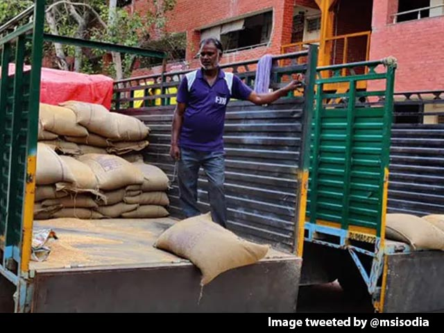 Video : Centre Blocks Delhi's Ration Home Delivery, Says AAP Government
