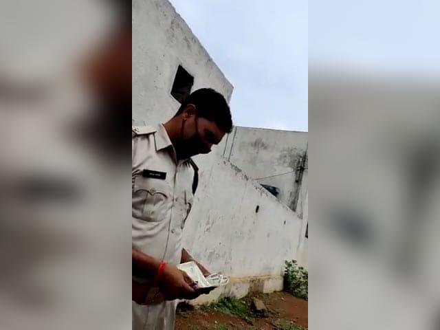 Video : On Camera, Chhattisgarh Cop Caught Accepting Bribe, 2 Suspended