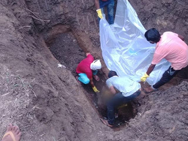 Video : 5 Of Madhya Pradesh Family, Missing For Weeks, Dug Out Of 8-Foot Deep Pit