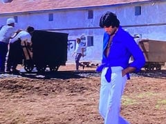 The Backstory To Amitabh Bachchan's Knotted Shirt Look In <i>Deewar</i>