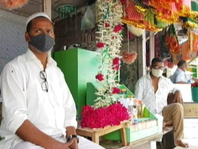 Video : Maharashtra: Coconut, Flower Sellers At Religious Places Struggle To Make Ends Meet