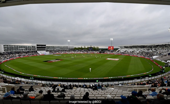 WTC Final Dinesh Karthik Gives Weather Update From Stadium Ahead Of Day 4 says sorry cricket Fans