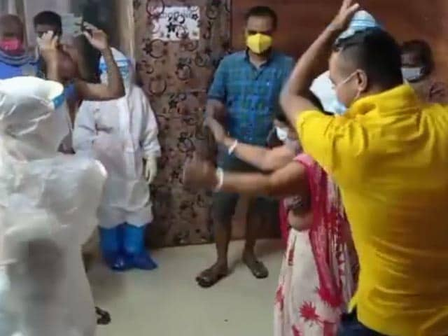 Video : Watch: Assam Doctors, Hospital Staff Cheer Up Patients With Folk Dance