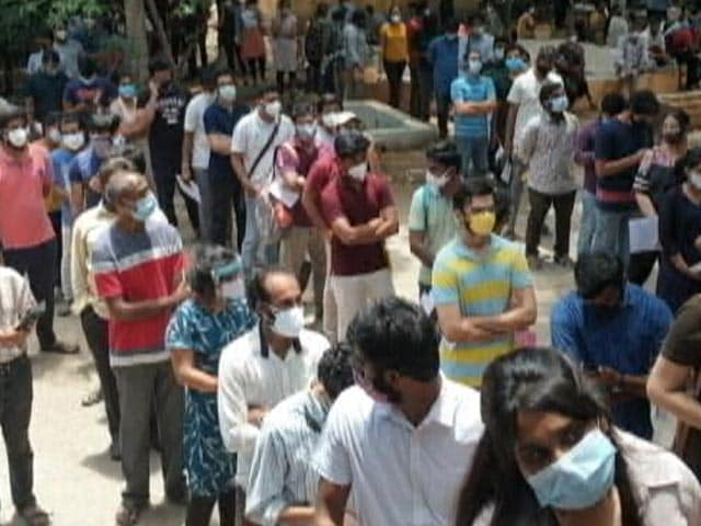 Video : From Mumbai To Delhi, Vaccinations For 18-44 Age Group