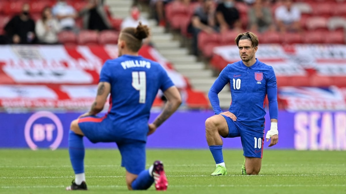 """Gareth Southgate's England players are """"role models"""" to Knee Simmers  Football news"""