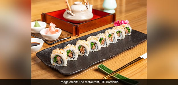 Asparagus & Gari Tempura Roll