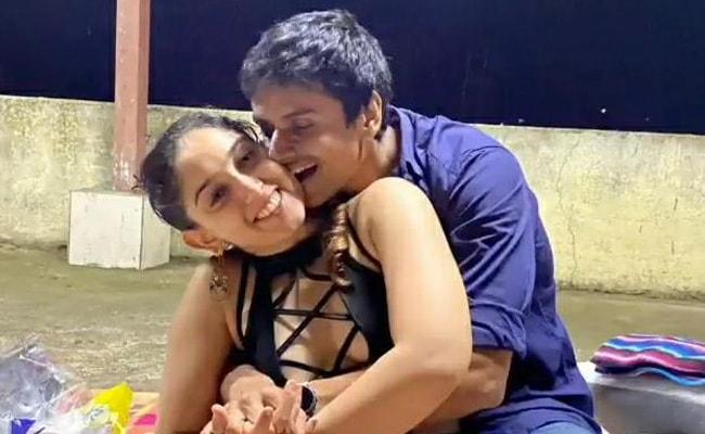 Aamir Khan Daughter Ira Khan Romantic Video On Instagram With Boyfriend  Nupur Shikhare-goes-viral - Aamir Khan की बेटी Ira Khan हुईं रोमांटिक,  बॉयफ्रेंड संग Video शेयर कर बोलीं- आई लव यू क्यूटी..