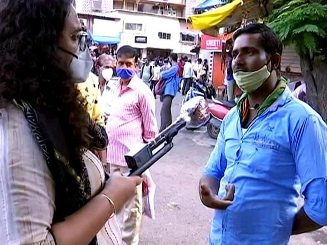 """Video : """"We Eat One Meal A Day"""": Migrant Workers Still Struggling In Mumbai"""