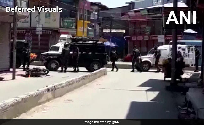 2 policemen, 2 Civilians Killed In Terror Attack In J&K's Sopore