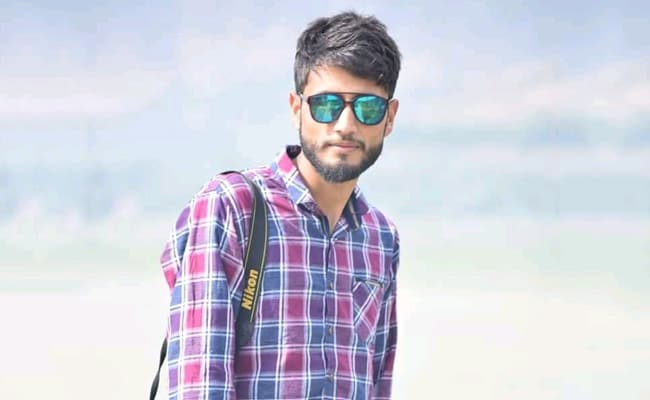 Case Against Kashmir Reporter Over WhatsApp Status On 2006 Boat Tragedy
