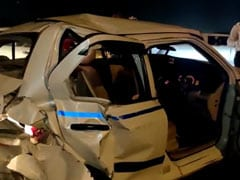 1 Killed As Car Driven By Cop Hits Cab In Delhi
