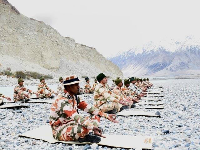 Video : On International Yoga Day, Jawans Perform Yoga