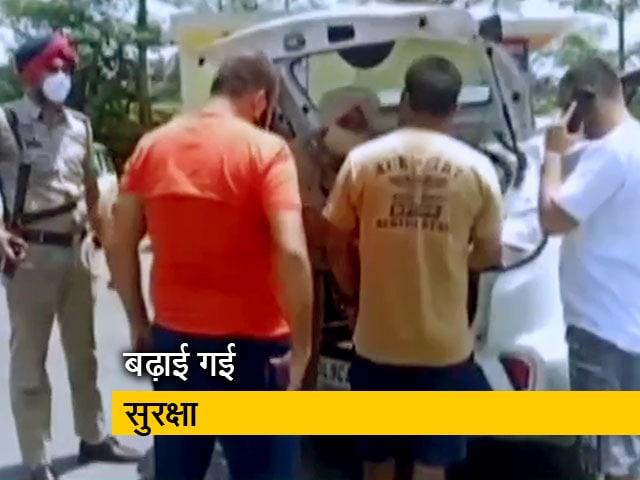 Video : जम्मू एयरपोर्ट पर धमाकों के बाद पठानकोट में हाईअलर्ट
