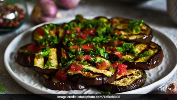 Indian Cooking Tips: How To Make Rigan Na Palita - A Masaledar Tawa Baingan Fry From Gujarat