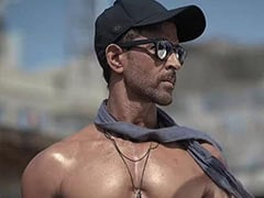 """""""You Look 21"""": This Pic Of Hrithik Roshan Leaves Ex-Wife Sussanne Khan Awestruck"""