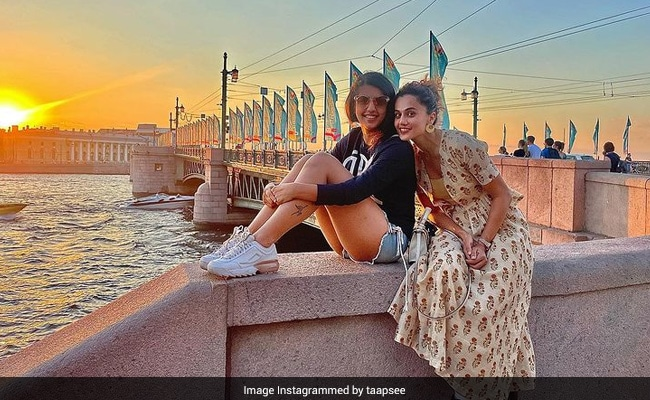 'And That's It': Taapsee Pannu Wraps Her Russia Vacation With This Pic