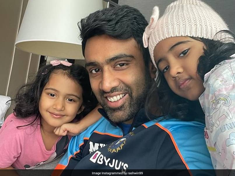 """R Ashwin Shares """"Jet Lagged"""" Quarantine Photo With Daughters From England"""