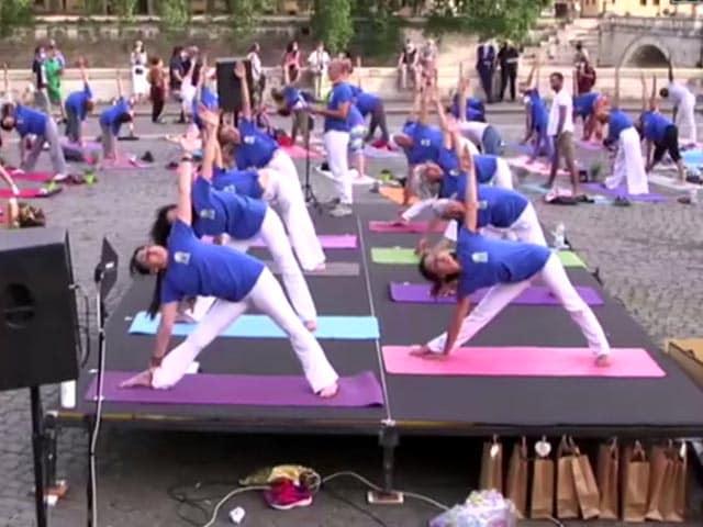 Video : Indian Embassy Celebrates International Yoga Day In Rome