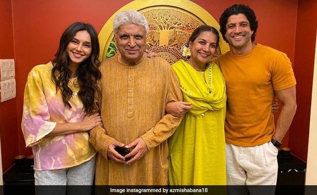 Shabana Azmi's Pic With Husband Javed Akhtar, Farhan Akhtar And His Girlfriend Shibani Dandekar Is All Things Nice