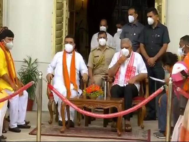 Video : 'Missing' BJP MLAs At Suvendu Adhikari's Meet Spark Migration Concern