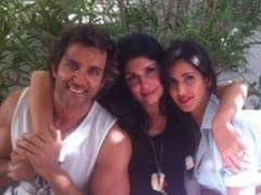 """""""Greek God"""" Hrithik Roshan And """"Goddess"""" Katrina Kaif In A Special <I>Bang Bang!</i> Memory From Greece"""