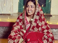 """""""The Most Real Pictures Ever:"""" The Internet Can't Get Enough Of Yami Gautam's """"Simple"""" Wedding Album"""