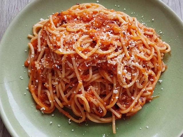 Video : How To Make Spaghetti in Arrabiata Sauce   Easy Spaghetti in Arrabiata Sauce Recipe Video
