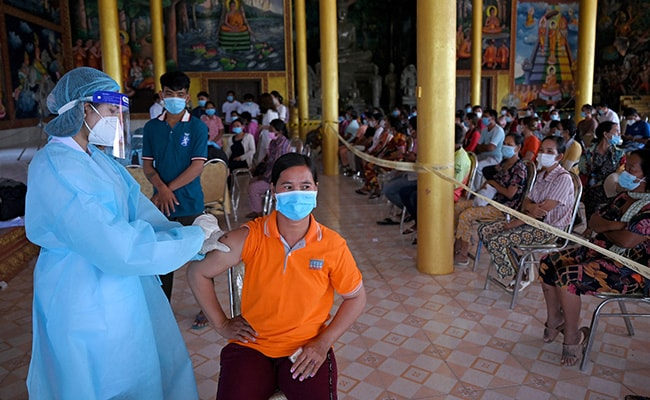 China Ramps Up Vaccinations, But Uneven Rollout Leaves Borders Closed