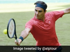 Roger Federer Eases Into Second Round At Halle