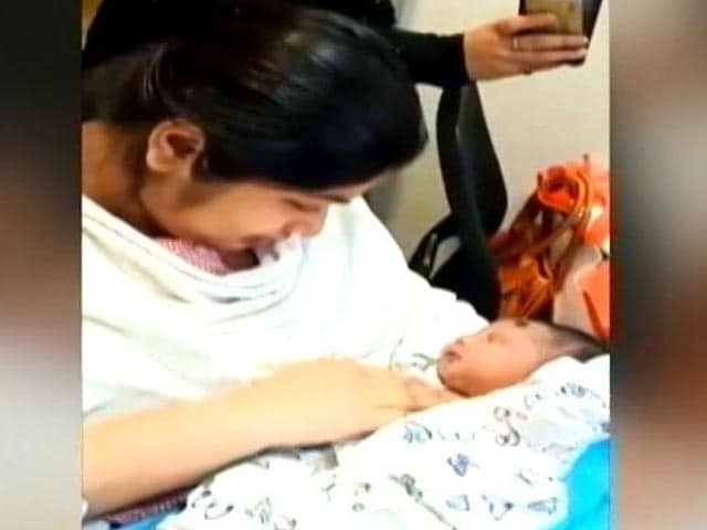 Video : 10 Days On Ventilator, Mother Reunited With Baby