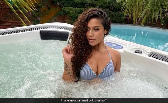Krishna Shroff's Jacuzzi Pic Perfectly Sums Up The Weekend Mood