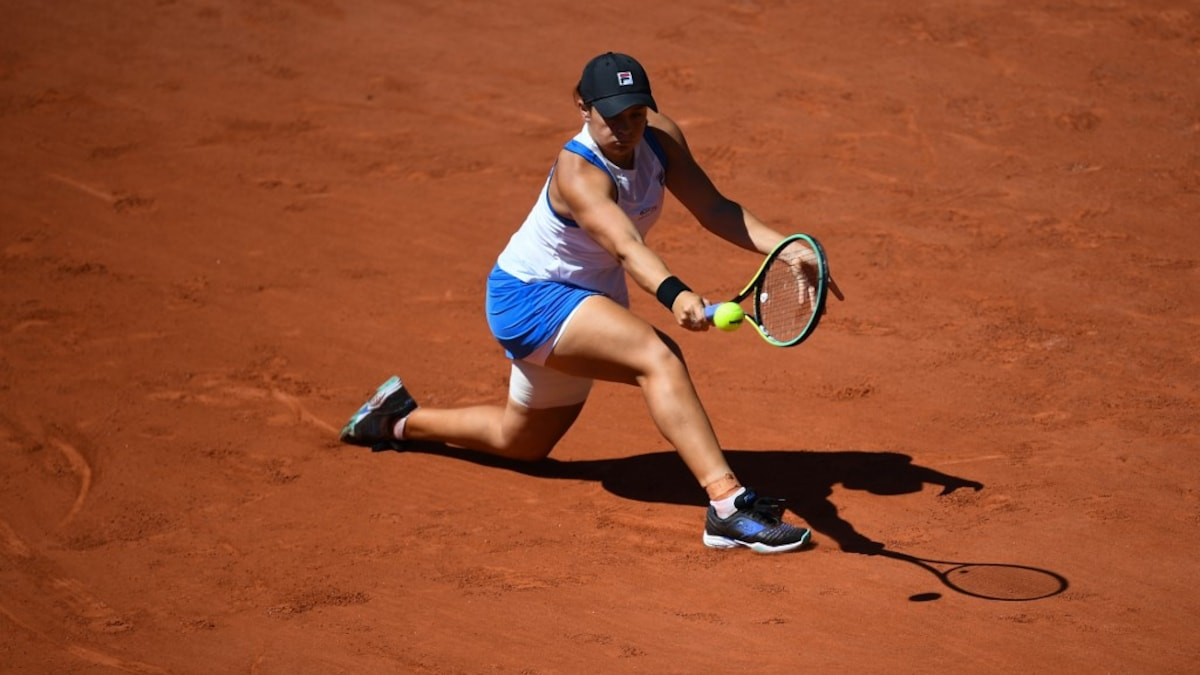French Open: Ashleigh Barty leaves tournament after retiring against Magda Linette Tennis news